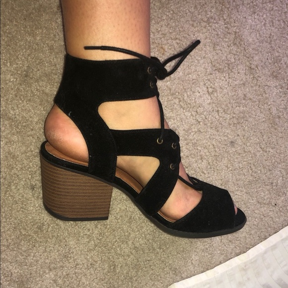 4e9f6b04c0550 Black lace up sandal with small heel